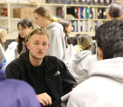 Meadowridge Alumni Share their Stories: Alumni Roundtable
